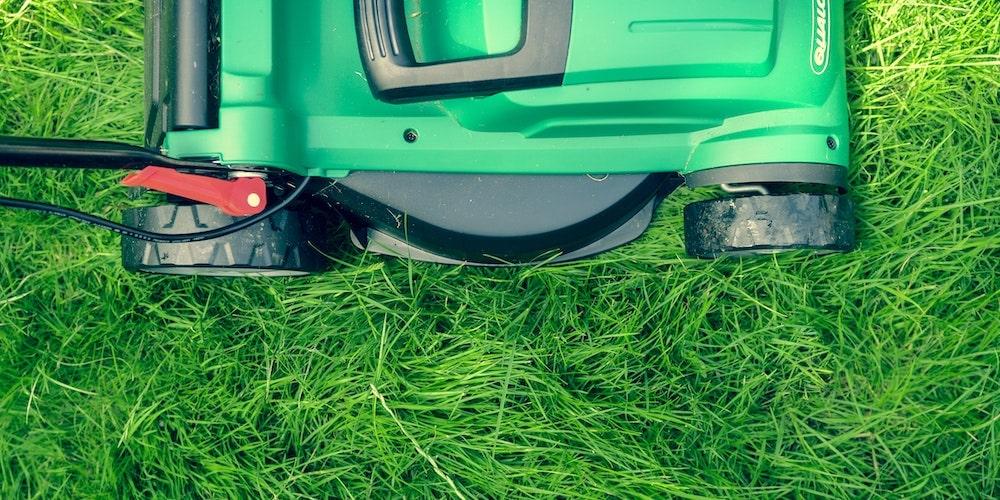 Test batteridriven gräsklippare